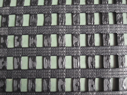 Warp kintted polyester biaxial geogrid